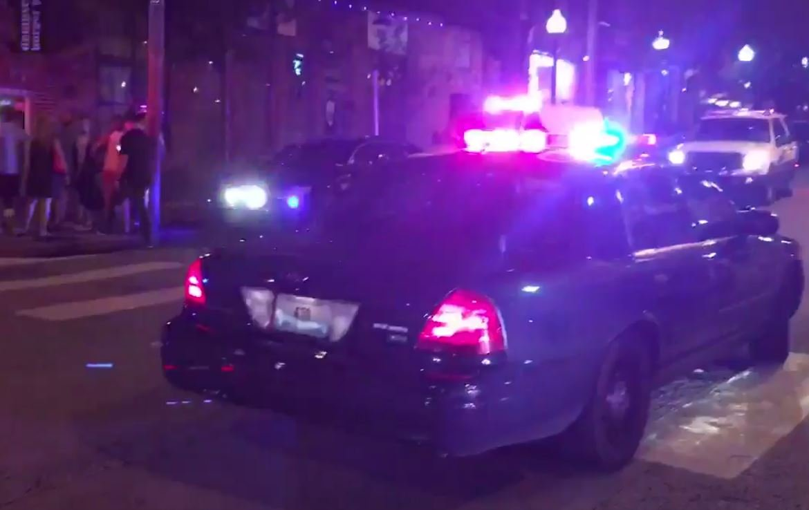 Off-duty officer killed, woman wounded in Kansas City's Westport district