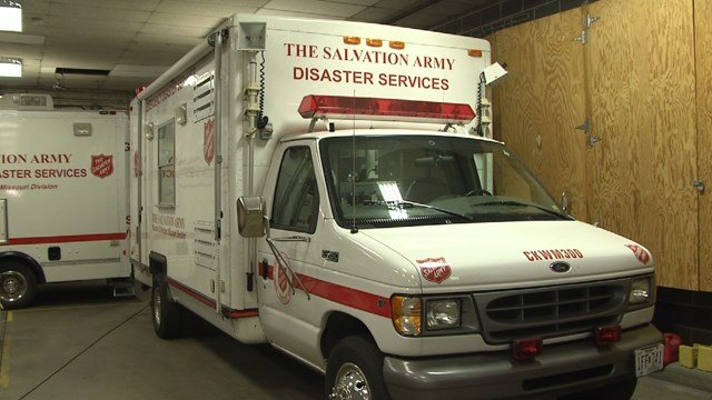 Two mobile canteens underwent inspection Monday to make sure they're ready for the long trip to Florida. (KCTV5)
