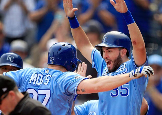 Kansas City Royals' Brandon Moss (37) celebrates his grand slam with teammate Eric Hosmer (35) during the first inning of a baseball game against the Chicago White Sox at Kauffman Stadium in Kansas City, Mo., Tuesday, Sept. 12, 2017. (AP)