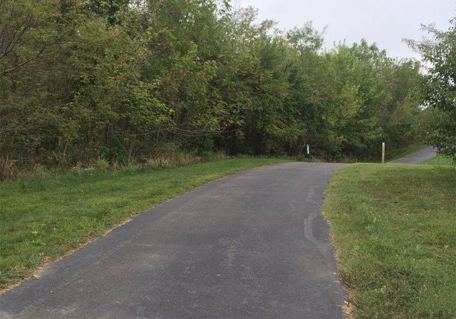 Police are investigatingafter a woman was she nearly abducted Tuesday while jogging onthe Indian Creek Trail. (Amy Anderson/KCTV5 News)