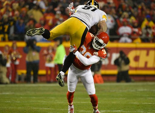 Steelers' defense dominates Chiefs in the first half