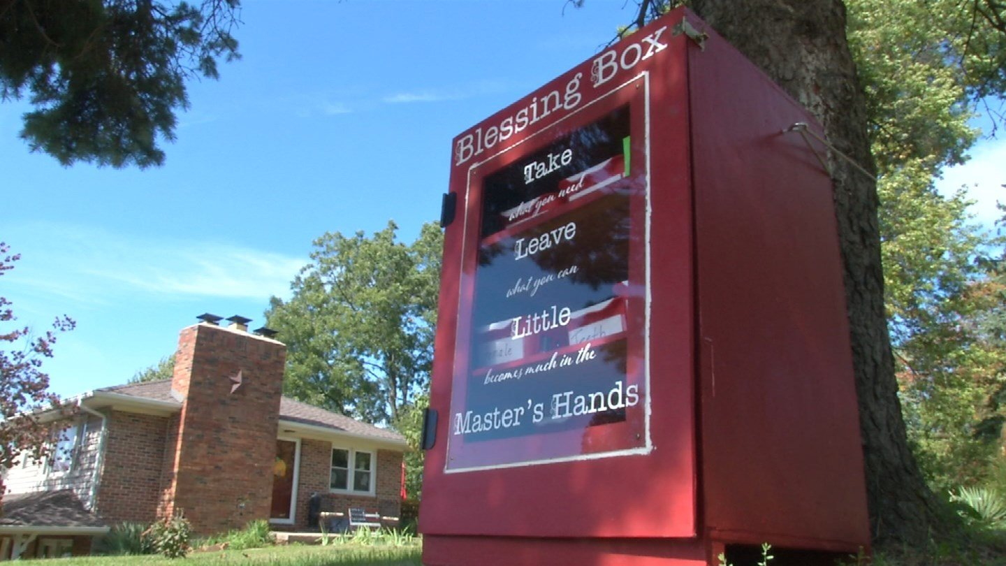 People in Independence are buzzing over the Blessing Box sitting on the corner of East 39th Street and Greenwich Lane, off Noland Road. (Natalie Davis/KCTV5 News)