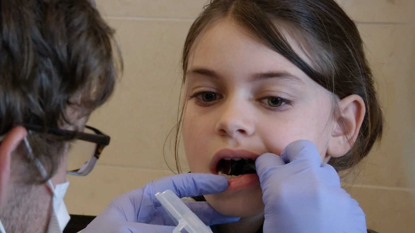 Volunteers were out in force making sure kids get the dental care they need and doing so in a fun, memorable environment.  (KCTV5)