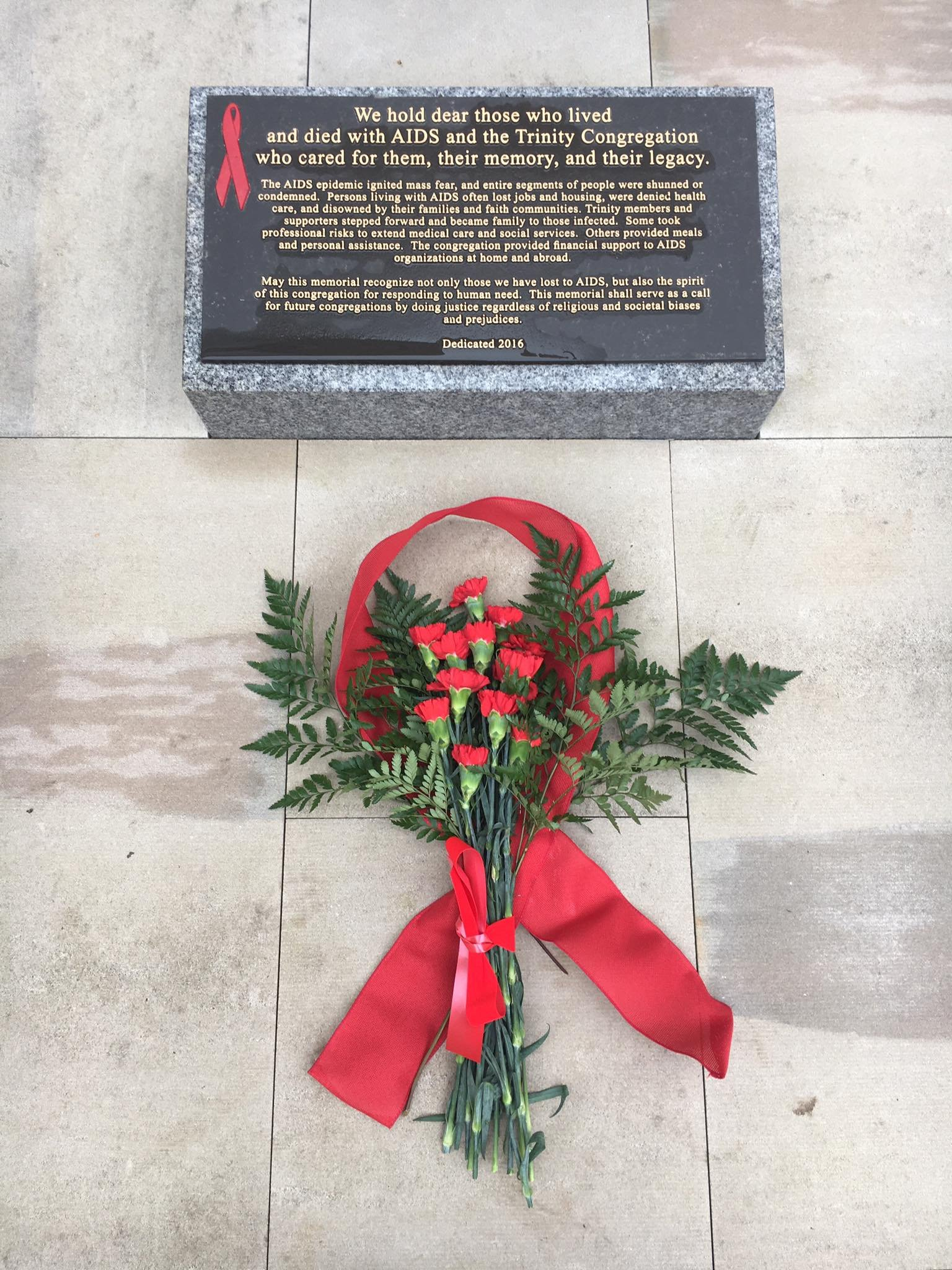 Inspired by its members who have been impacted by HIV and AIDS, the church is making a statement with a memorial. (KCTV5)