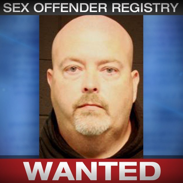 Robert Oliphant is wanted on a Johnson County, KS warrant for sex offender registration violation. (KCTV5)