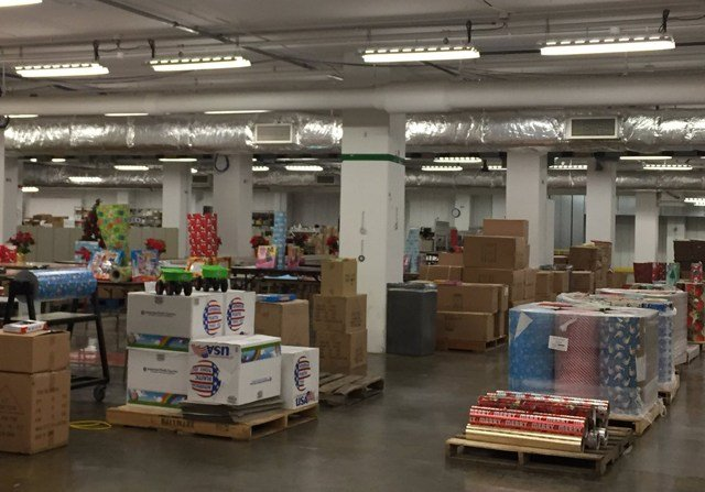 Program officials say 500 Hallmark volunteers will work for two days to prepare the gifts. The organization plans to deliver over 1,500 gifts to kids in 2017. (KCTV5)