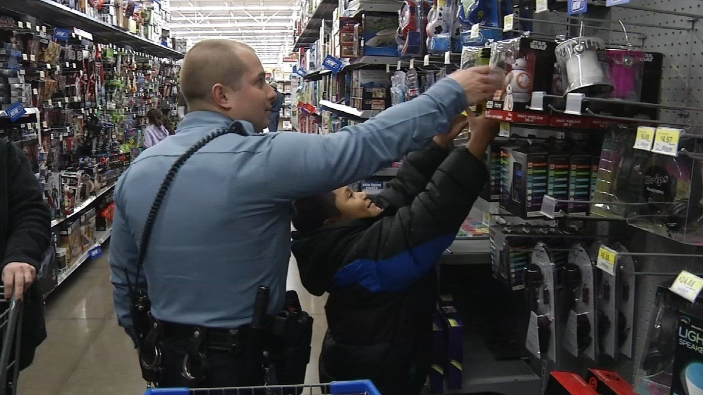 Officers on both sides of the state line are asking for your help on this Giving Tuesday to make Christmas a little brighter for kids who deserve it. (KCTV5)