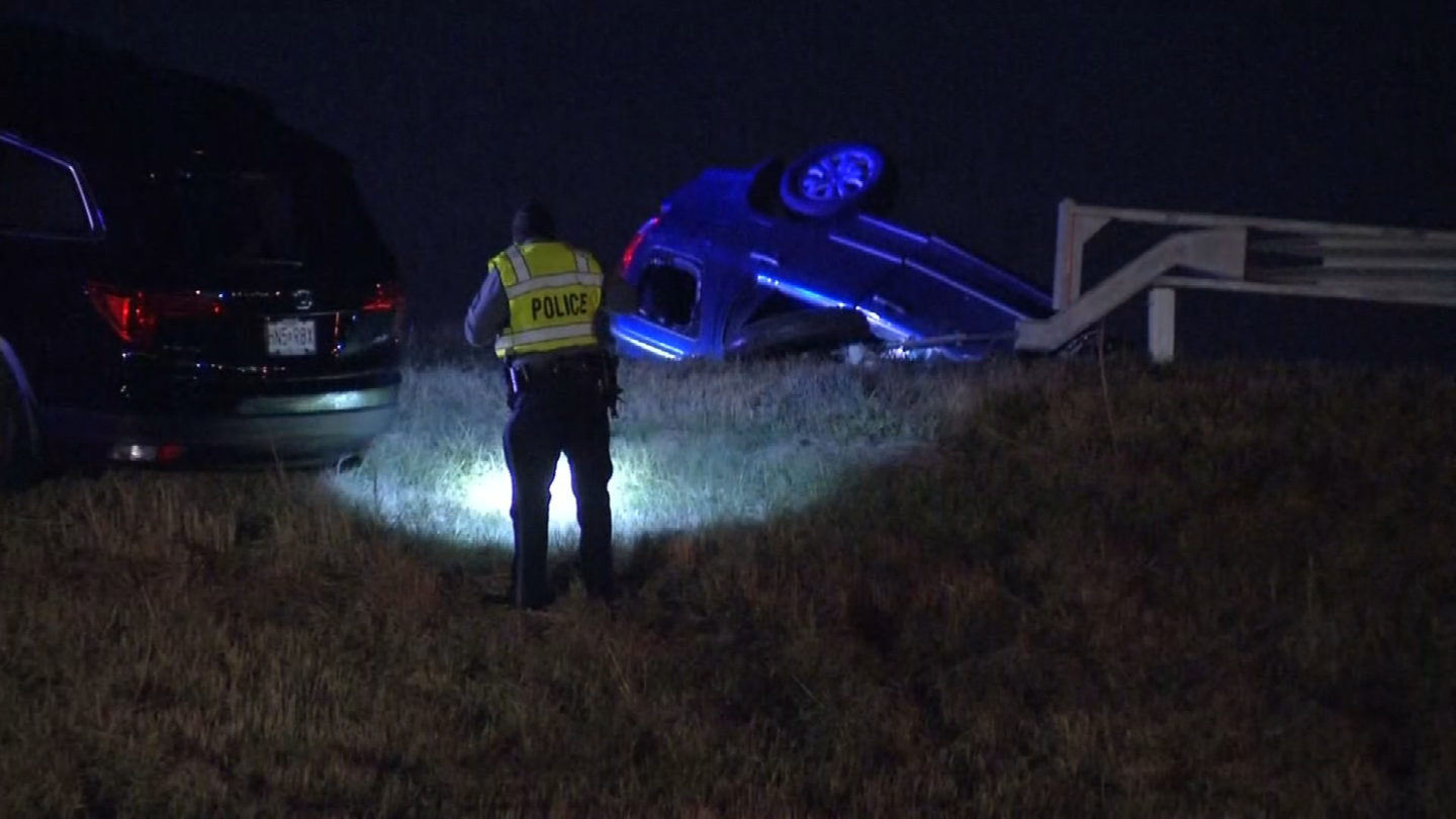 The two-vehicle crash happened just before 1 a.m. on Thanksgiving on southbound I-29 at Barry Road. (KCTV)