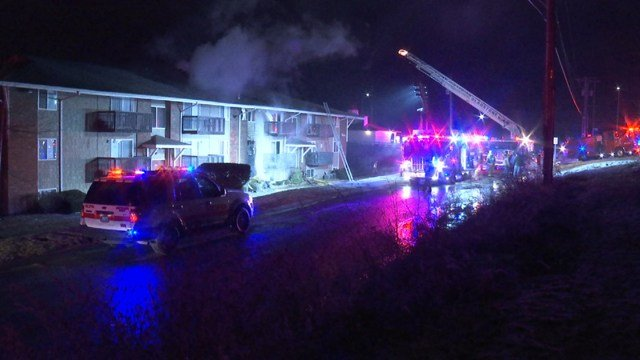 The fire broke out at about 1:13 a.m. at a complex near 58th Street and N Oak Trafficway. (KCTV5)