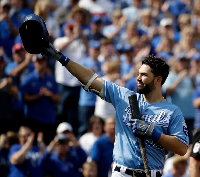 USA TODAY reports the organization offered Hosmer a franchise-record seven-year contract worth $147 million. (KCTV5)
