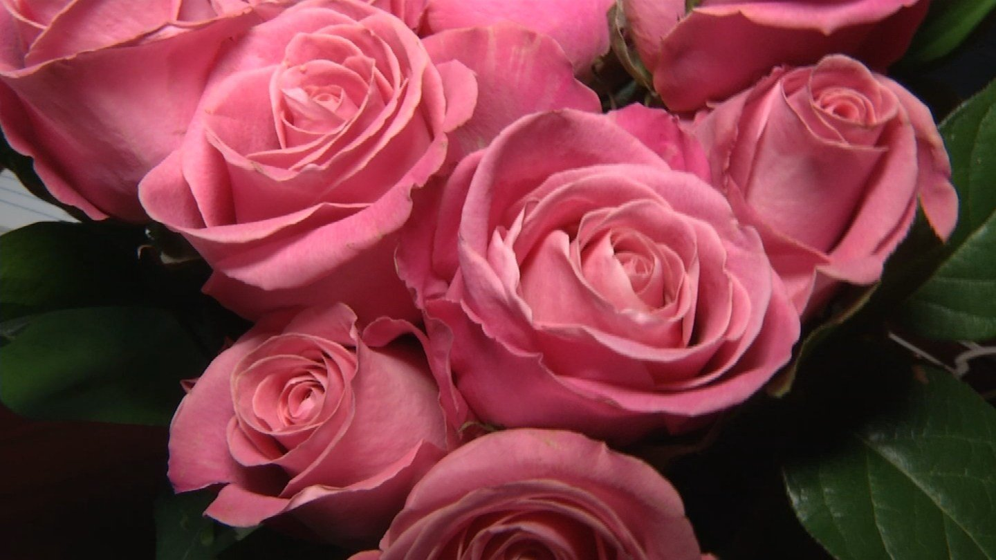 It's down to the wire for you romantics out there trying to figure out what kind of flowers to get for your Valentine's Day sweetheart.(KCTV5)