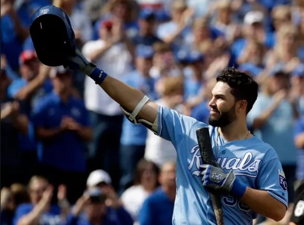 Reports say Hosmer signs with Padres