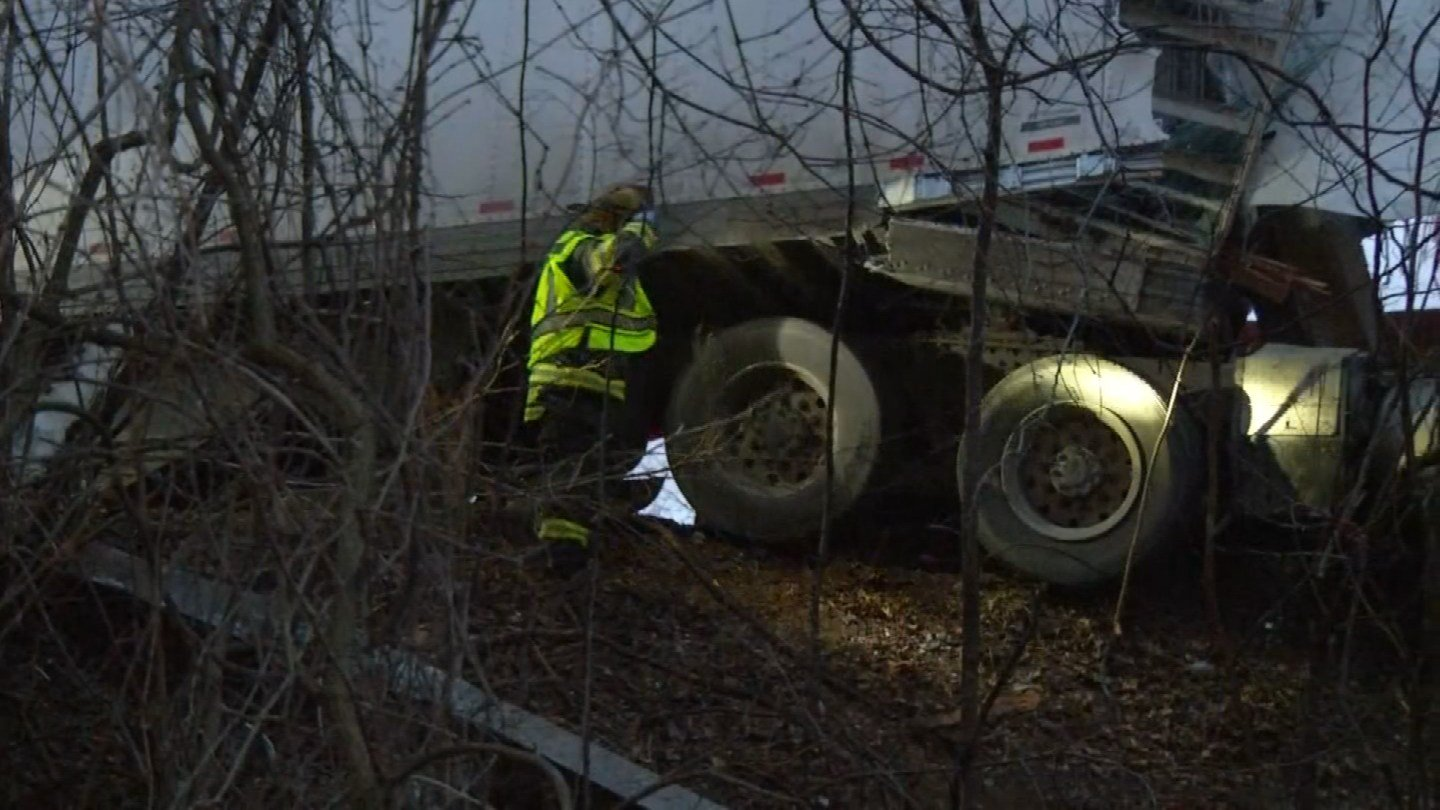 Two young children were killed in a crash Sunday onInterstate 435 past State Line Road. (KCTV5)
