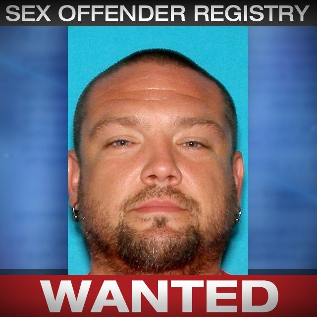 Chester Lewis is wanted on a Wyandotte County probation violation warrant for sex offender registration violation and possession of meth. (CrimesStoppers)