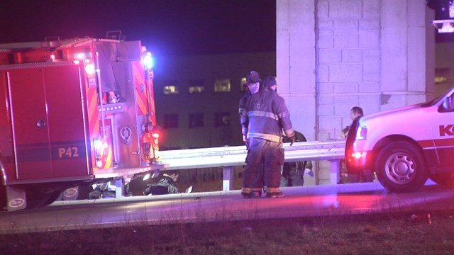 The crash happened at about 1:20 a.m. near the ramp from northbound Interstate 435 to northbound US Highway 71. (KCTV5)