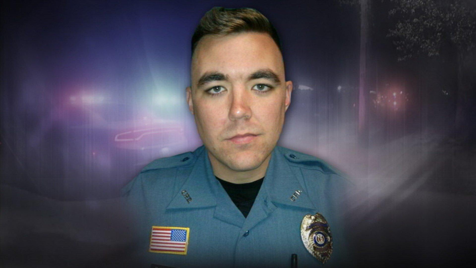 1 cop killed, 2 others shot in Missouri; suspect dead