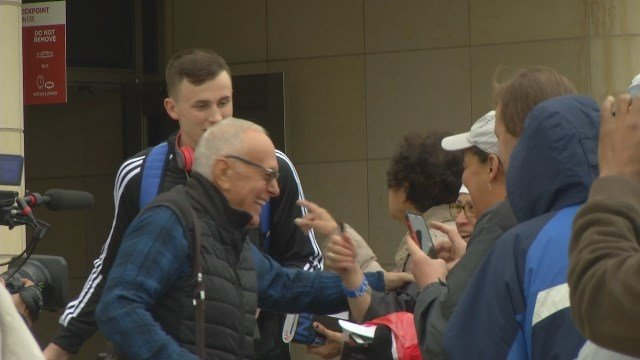 Former KU coach Larry Brown traveling with Jayhawks to ...