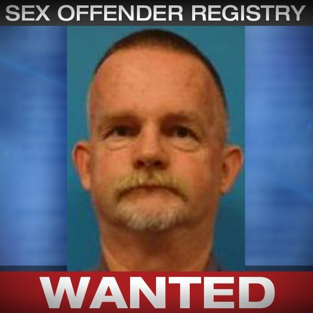James Vess is wanted on a Polk County probation violation warrant for sex offender registration violation, aggravated assault and resisting arrest. (CrimeStoppers)