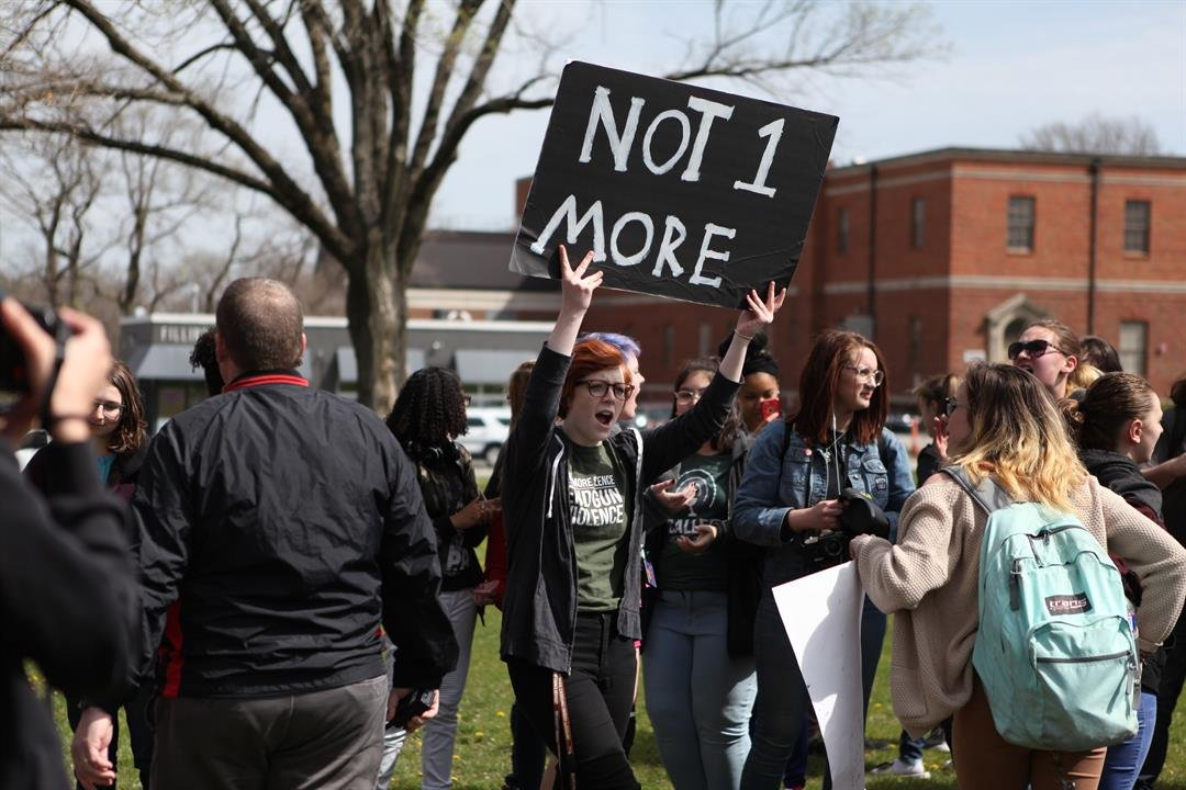 Students at Shawnee Mission North participate in the walkout. (Submitted to KCTV)