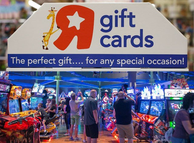 """Main Event Entertainment is allowing guests to bring in any unredeemed Toys """"R"""" Us plastic gift card and exchange it for $20 in game play. (AP/Main Event)"""