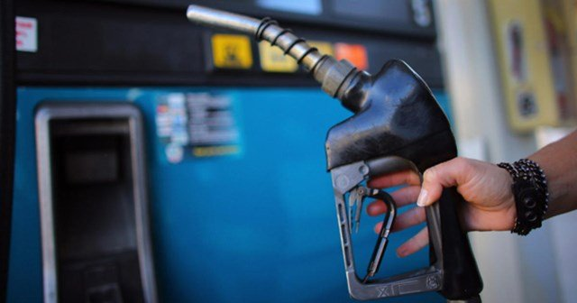 New information shows metro gas prices have risen 13.5 cents per gallon during the past week. (KCTV5)