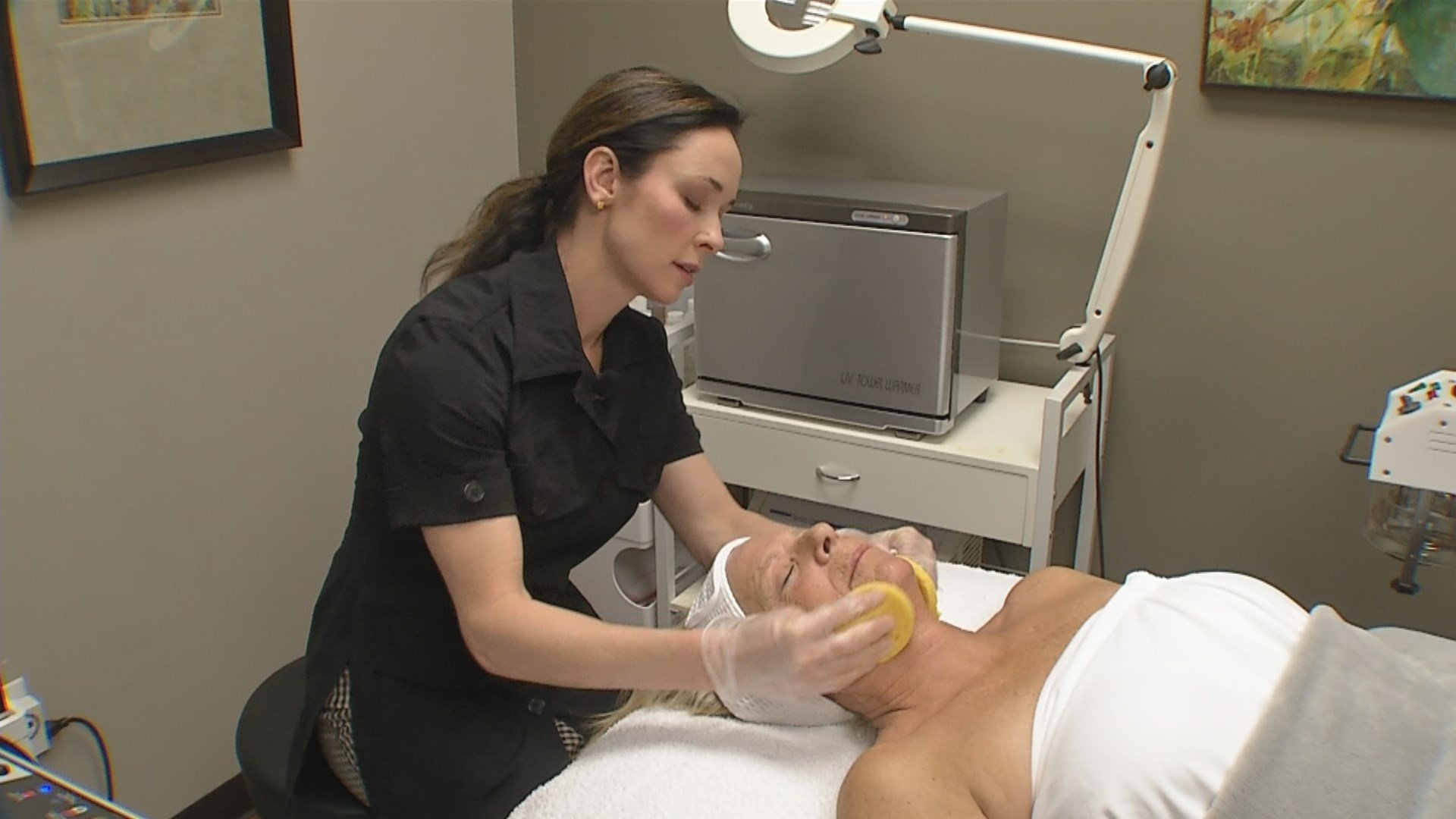 We've been told for years to cut back on the salt, but it may have its place in a completely different part of your life.  Now, it's being used as the main ingredient in a new type of facial. (KCTV5)