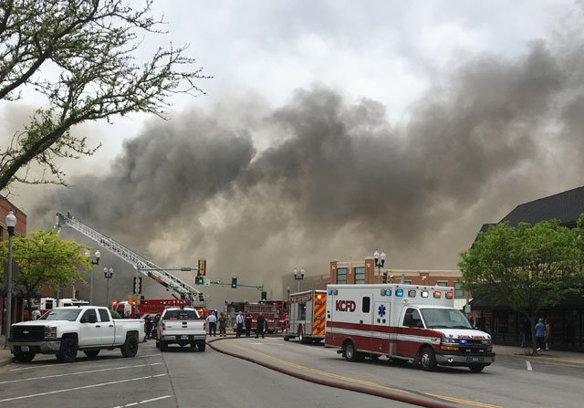 Crews battle large business fire in North Kansas City