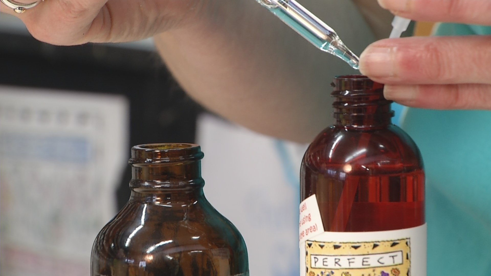 Can one drop of essential oil, alleviate headaches, get rid of stress and help you sleep? (KCTV5)