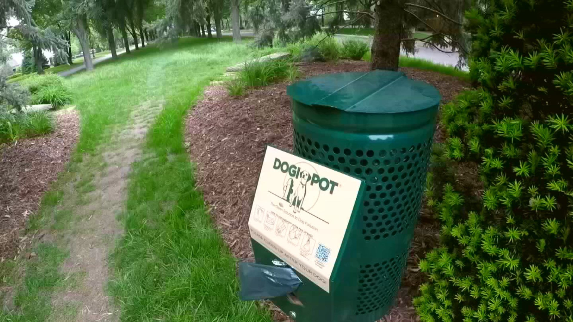 Dogipots rarely go unused in one Mission Hills neighborhood. But lately, someone has been abusing the waste receptacles. (KCTV5)