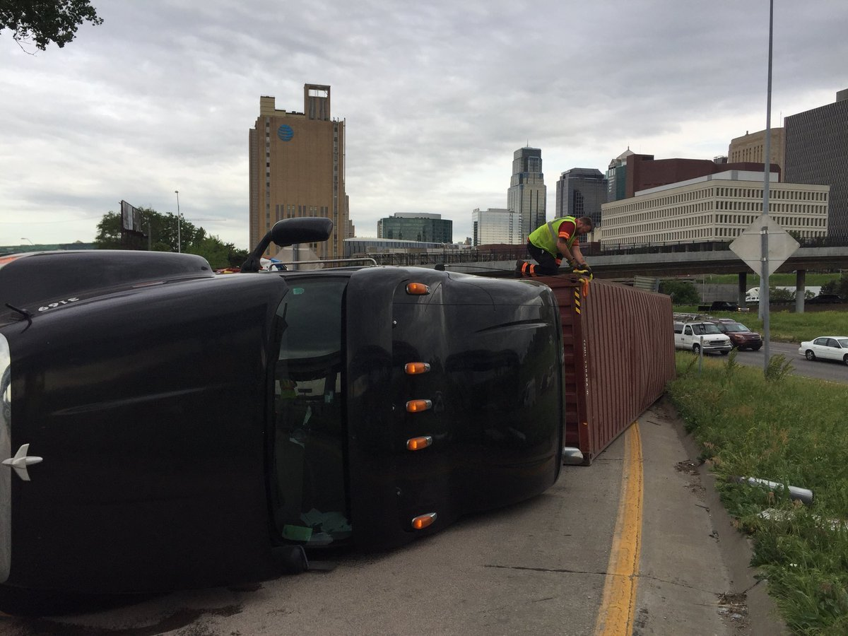 The downtown loop is back open for business after a rough drive in aftera semi ended up on its side. (Michael Ross/KCTV5 News)