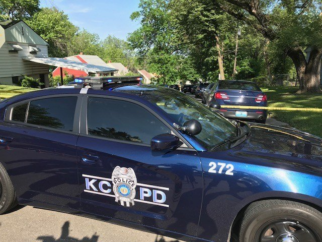 The fatal shooting happened about 4 p.m. on Monday at 44th Street and Kensington Avenue. (Kimo Hood/KCTV5 News)