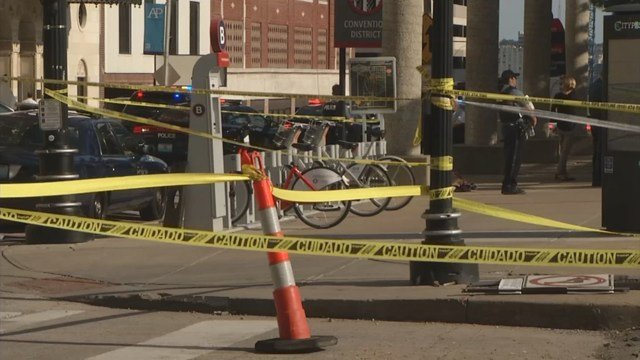 Police kill 2 men in downtown Kansas City public square