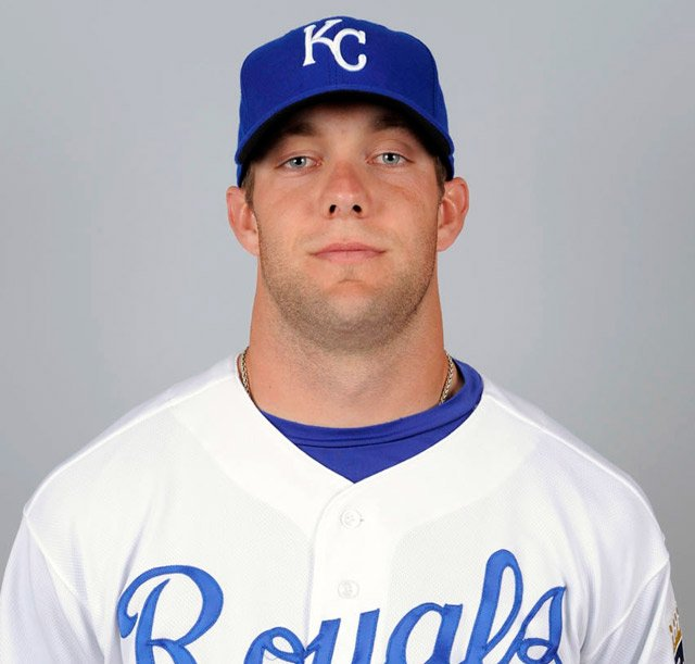 Royals sign outfielder Alex Gordon to multi-year contract