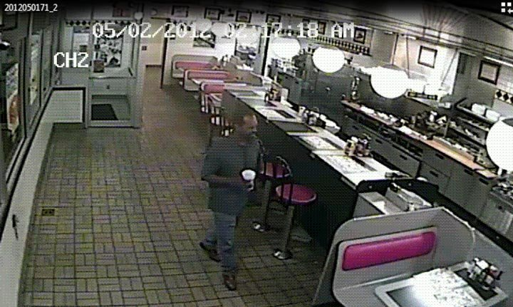 Surveillance photo of Waffle House aggravated robbery suspect