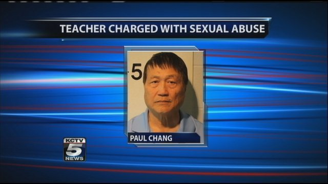 A physical therapist who lives in Blue Springs, MO, is accused of sexually ...