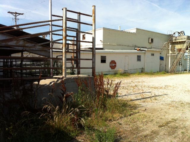 Photo of former meatpacking plant set to be turned into horse slaughterhouse in Rockville, MO courtesy: KCTV5's Alice Barr