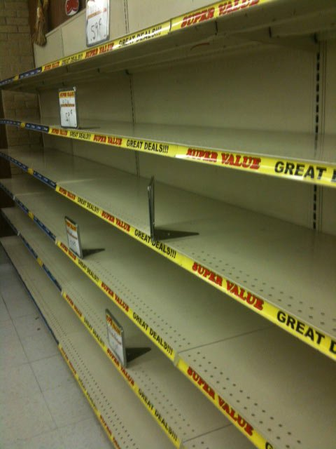 Empty shelves at the Hostess outlet in Shawnee, KS.     Bonyen Lee/KCTV