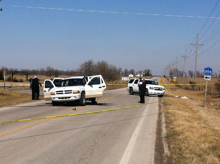 Just outside of Mound City, where police and bank robbery suspects were involved in shootout.