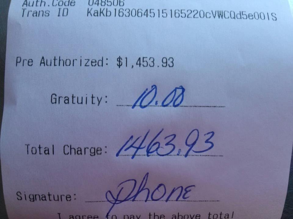 A driver's lousy tip for delivering nearly $1,500 in pizzas is causing a firestorm of comments on social media.  (Reddit/jfastman)