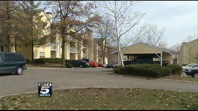 PD Man Rapes Woman At Knife Point Inside Northland Apartment KCTV - Ethans apartments kansas city