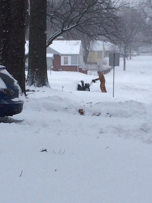 @FLiPDatFilipino: My father using the snow blower to remove the entire blocks snow from their driveways #kchelps