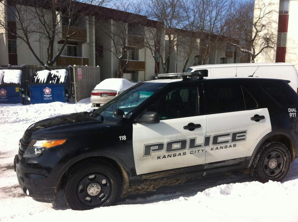 The suspect were found at Legend Oaks Apartments, only blocks from where the shooting took place. (Bill Lindsay/KCTV)
