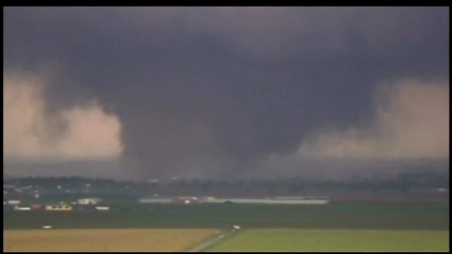 Tornado near Moore, OK, in May 2013