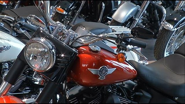 The Missouri House has advanced legislation allowing Sunday sales of motorcycles at dealerships.