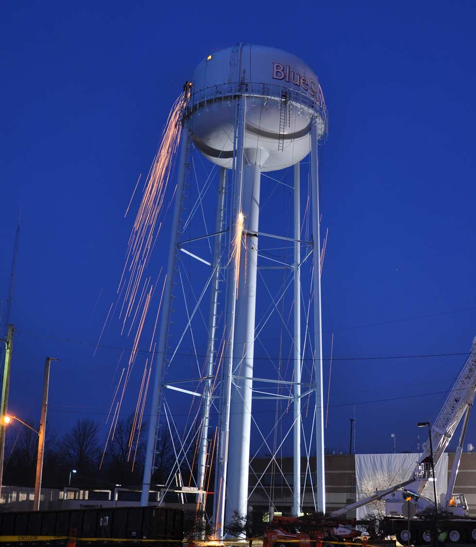The Blue Springs downtown water tower is deconstructed. (Courtesy: City of Blue Springs)