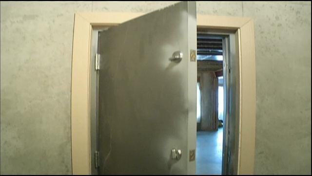 New homes built in kck must have tornado safe rooms kctv5 for Safe rooms