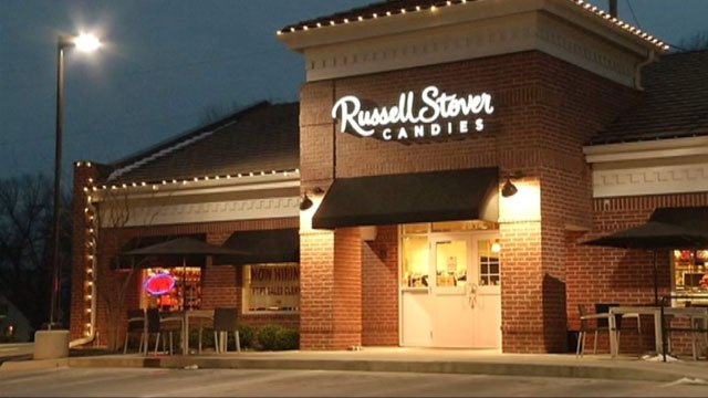 Swiss chocolate maker Lindt & Spruengli says it is buying U.S. manufacturer Russell Stover Candies, Inc., for an undisclosed sum.