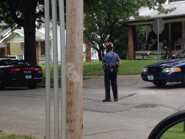 @ChiefForte: @kcpolice House searched (not in photo) in 3600 blk of Agnes for suspect w/neg results. K9 on scene
