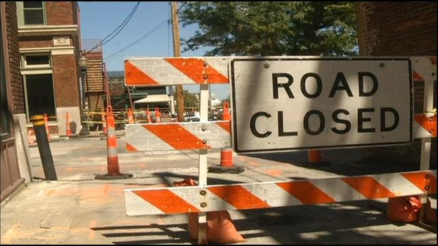 As construction workers break ground on the new Kansas City streetcar project, people commuting near the River Market will need to adjust to major road closures.