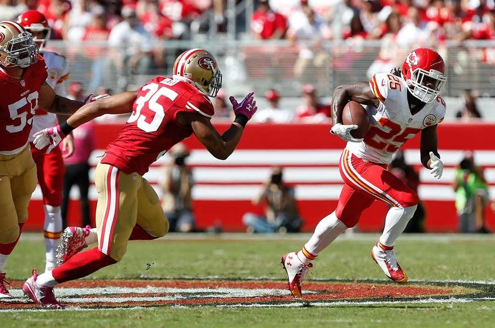 Kansas City Chiefs running back Jamaal Charles (25) runs against the San Francisco 49ers during the second quarter of an NFL football game in Santa Clara, Calif., Sunday, Oct. 5, 2014. (AP Photo/Tony Avelar)